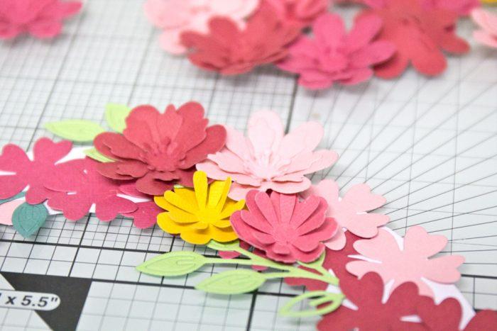 Blütenkranz aus Papier