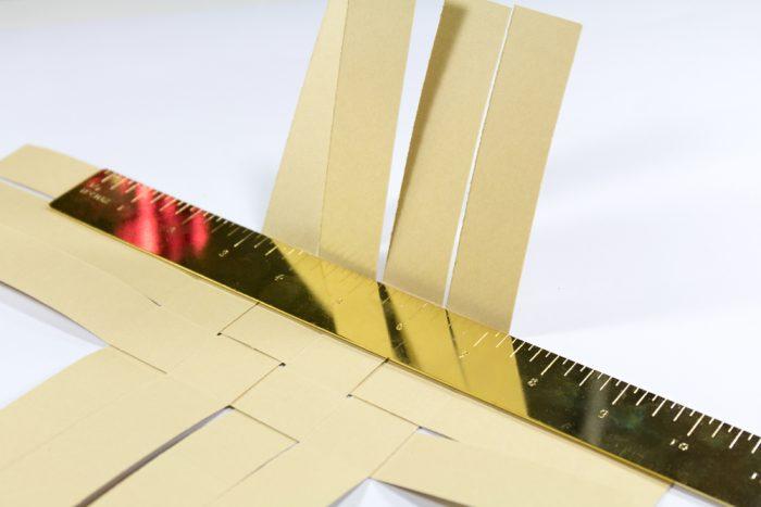 Papier gerade knicken ohne Falzbrett