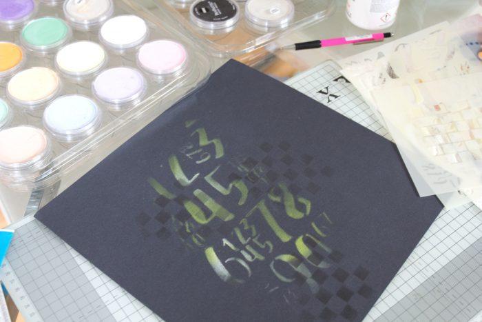 Hintergrund für Scrapbooking Layout mit Stencil