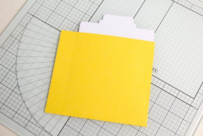 Seite mit Tab Punch Board